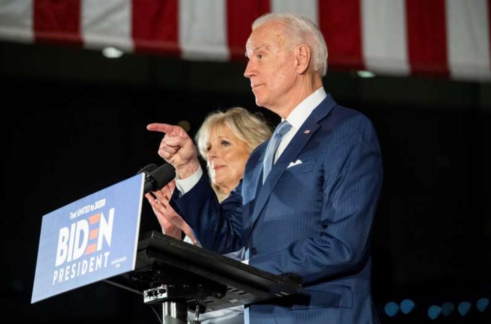 特朗普竞选团队迎接民主党初选结束,两场针对拜登的不同竞选
